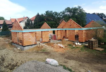 Stavba atypického rodinného domu